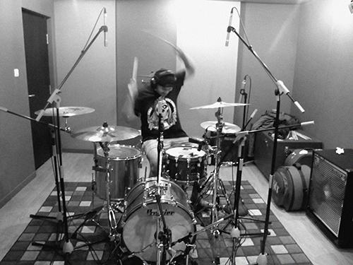 freddie-take-drum-morfem